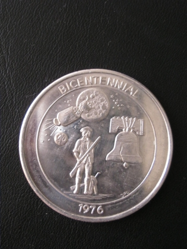 America Bicentennial Token ~ 1976 Liberty Bell - Lunar Lander - Minuteman Coin